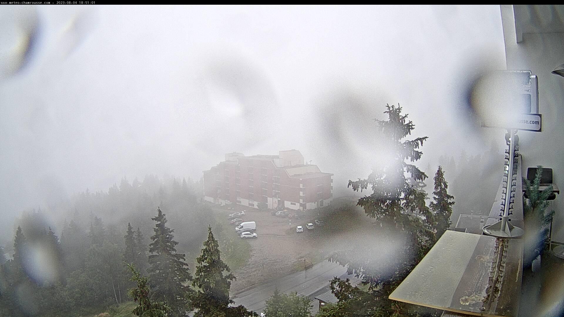 Notre webcam de chamrousse - Roche Béranger - alt. 1800 m - vue vers Grenoble et le Recoin